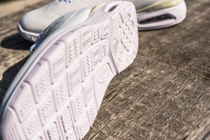 18 05 White Sneakers - Carousel image 5