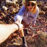 Maelane wears boots thumb